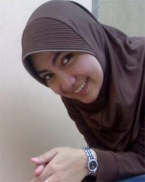 Gambar ngentot tante jilbab