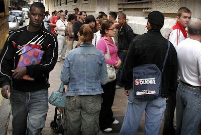 Negro sobre blanco empadronamiento de inmigrantes pol mica de esta semana - Oficina de empadronamiento madrid ...