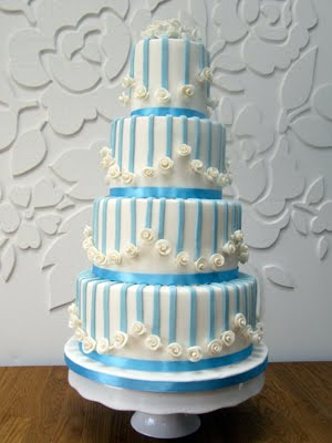 Peggy S Cupcakes Blue And White Roses Wedding Cake