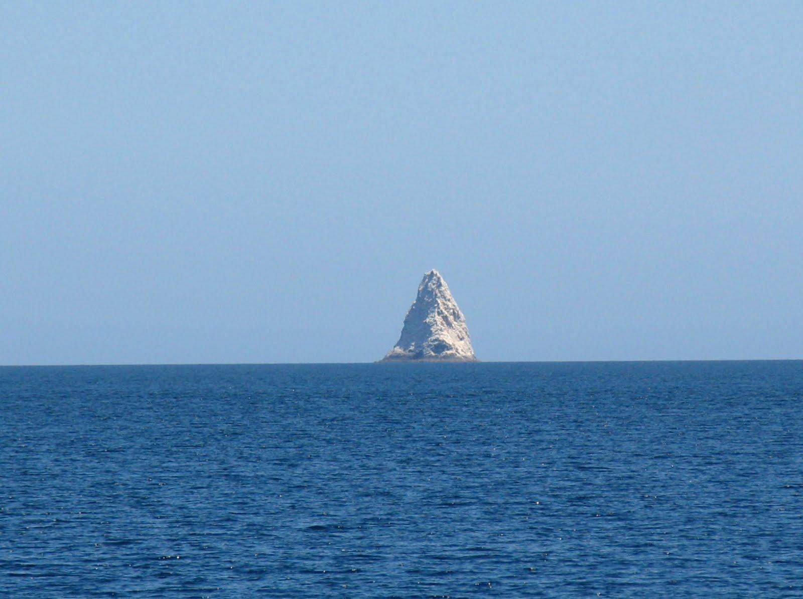 Titties & Beer And Lots Of Fun!!!!: Sail Rock & Isla Angel