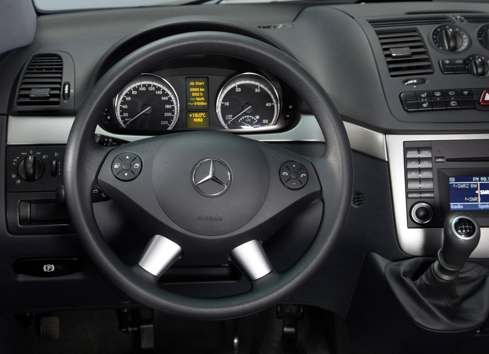 Car Review Photo Gallery 2011 Mercedes Viano Vito Facelift