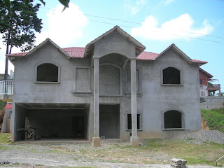 concrete Honduran house under construction