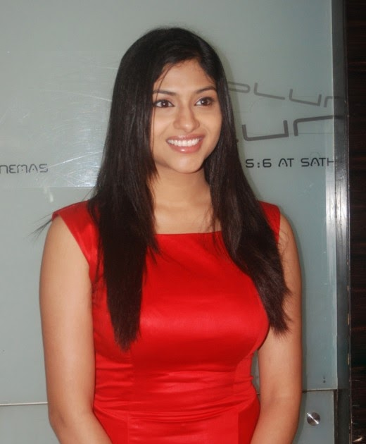 Beautiful Hot And Sizzling: Lakshmi Nair Latest Hot Photos