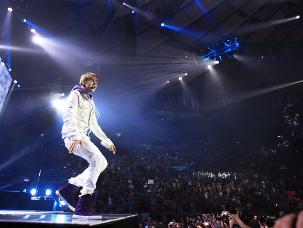 Madison Square Garden: MADISON SQUARE GARDEN: JUSTIN BIEBER AND USHER Warming And