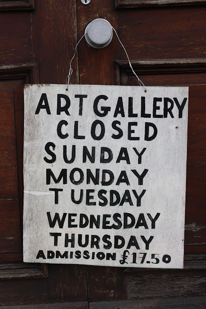 Art Gallery Closed Sign