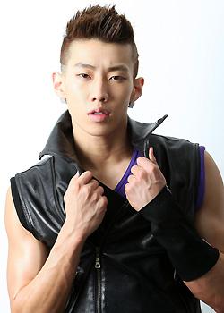 Korea Hairstyles 2017 Korean B Boy Jaybeom Park. Black Faux Hawk ...