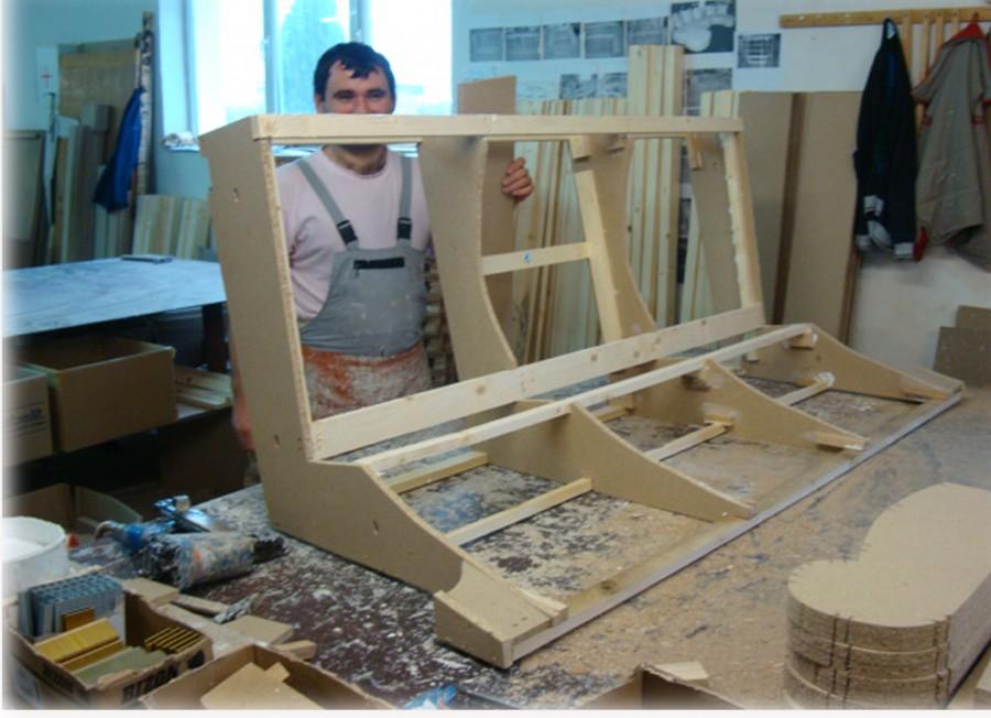 canap cuir pas cher guide d 39 achat canap en cuir structure en bois massif. Black Bedroom Furniture Sets. Home Design Ideas