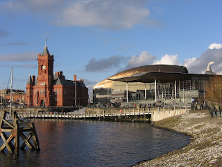 Photo by Rullsenberg: Cardiff bay buildings