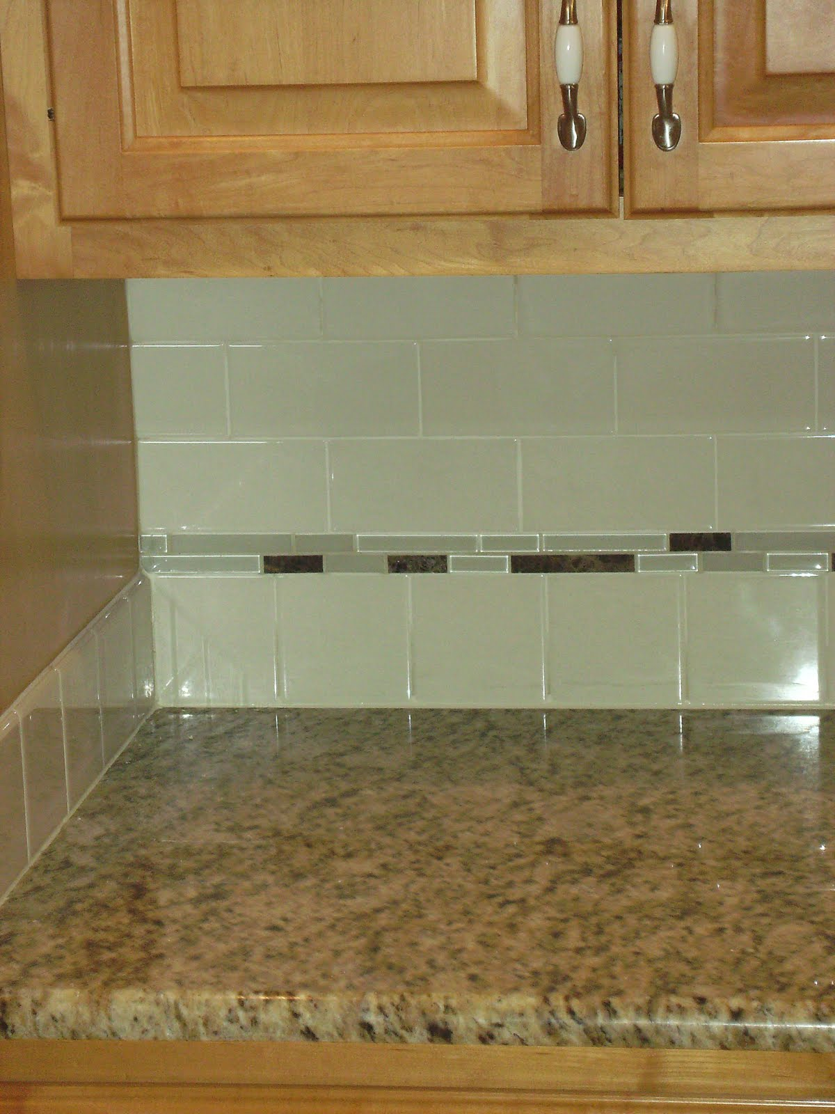 Backsplash Accent Ideas Knapp Tile And Flooring Inc Subway Tile Backsplash