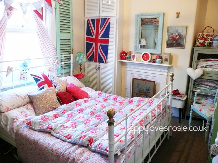 my bedroom makeover happy loves rosie 12675 | bedroom makeover13