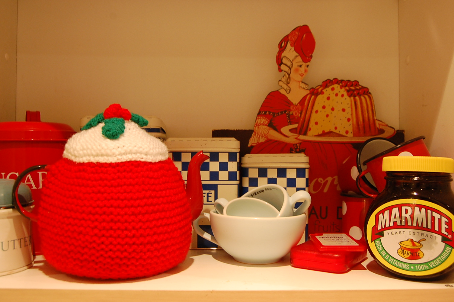christmas cake knitted teacosy