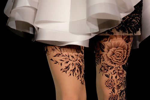 pretty floral tattoo or tattoo tights