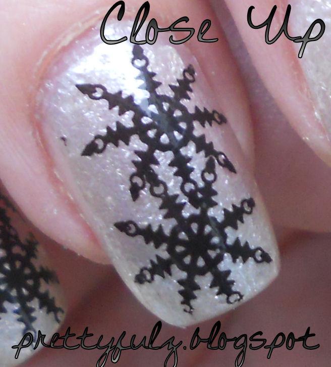 Prettyfulz Fall Nail Art Design 2011: Prettyfulz: SNOWFLAKE NAIL ART DESIGN