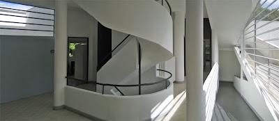Le Corbusiers Villa Savoye, an example of promenade architecturale