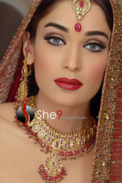 Trendy Indian Wedding Party Wear Ladies Designer Anarkali: Modern Trendy Makeover - She9