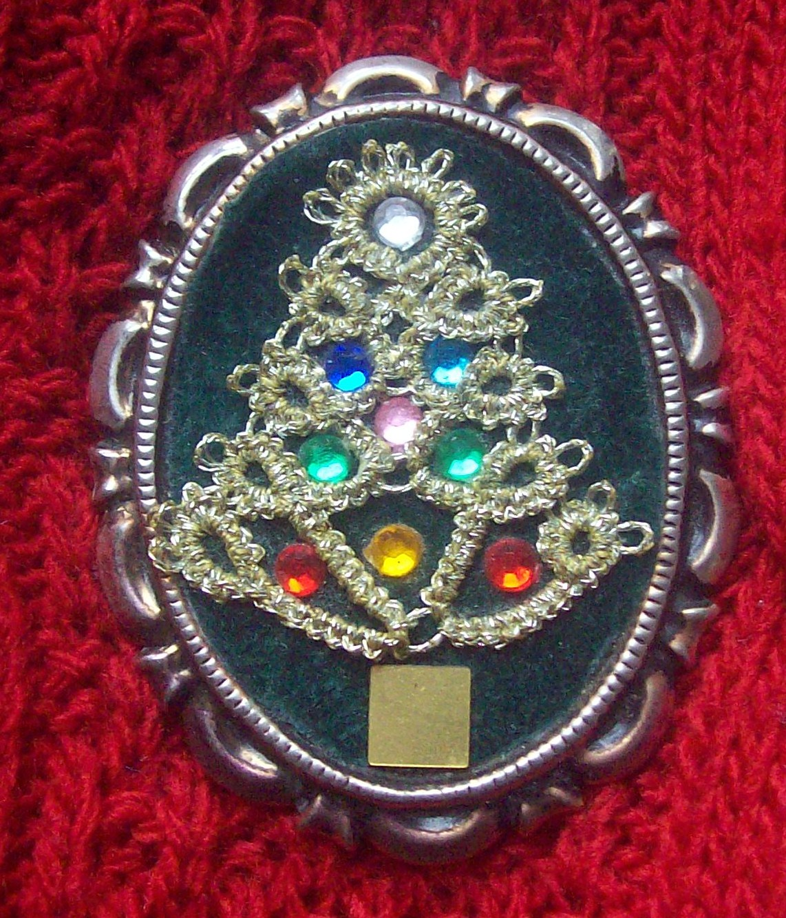 Kathy's Victorian Tatted Lace: Christmas Tree Pin - 1991
