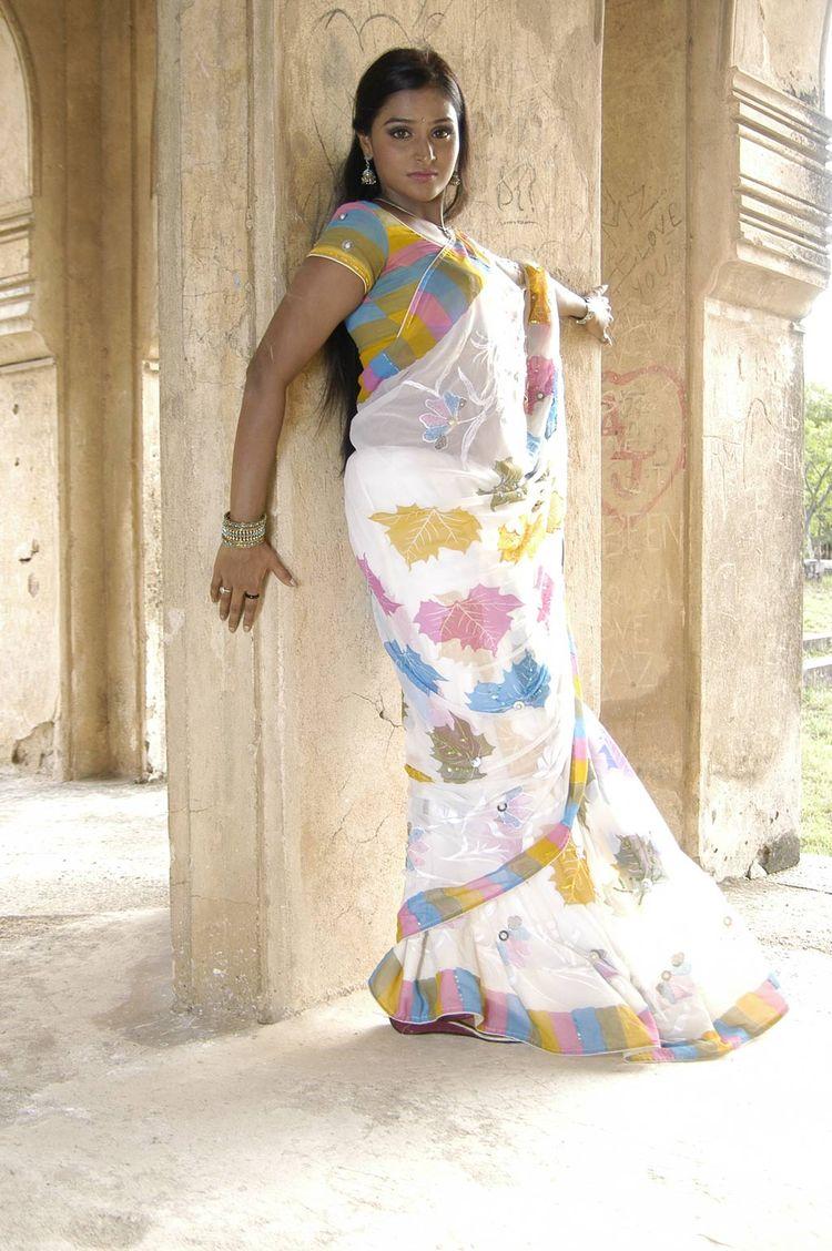 remya nambeesan hot pics