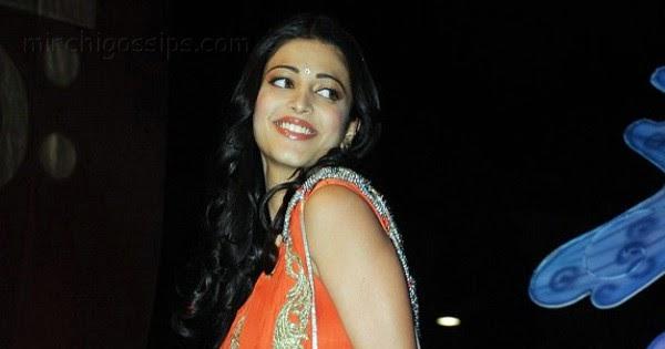 Fashion Trend Style: Shruti Hassan Hot In Saree