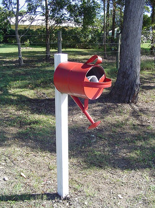 24 Hilarious Mailboxes Weird Pictures