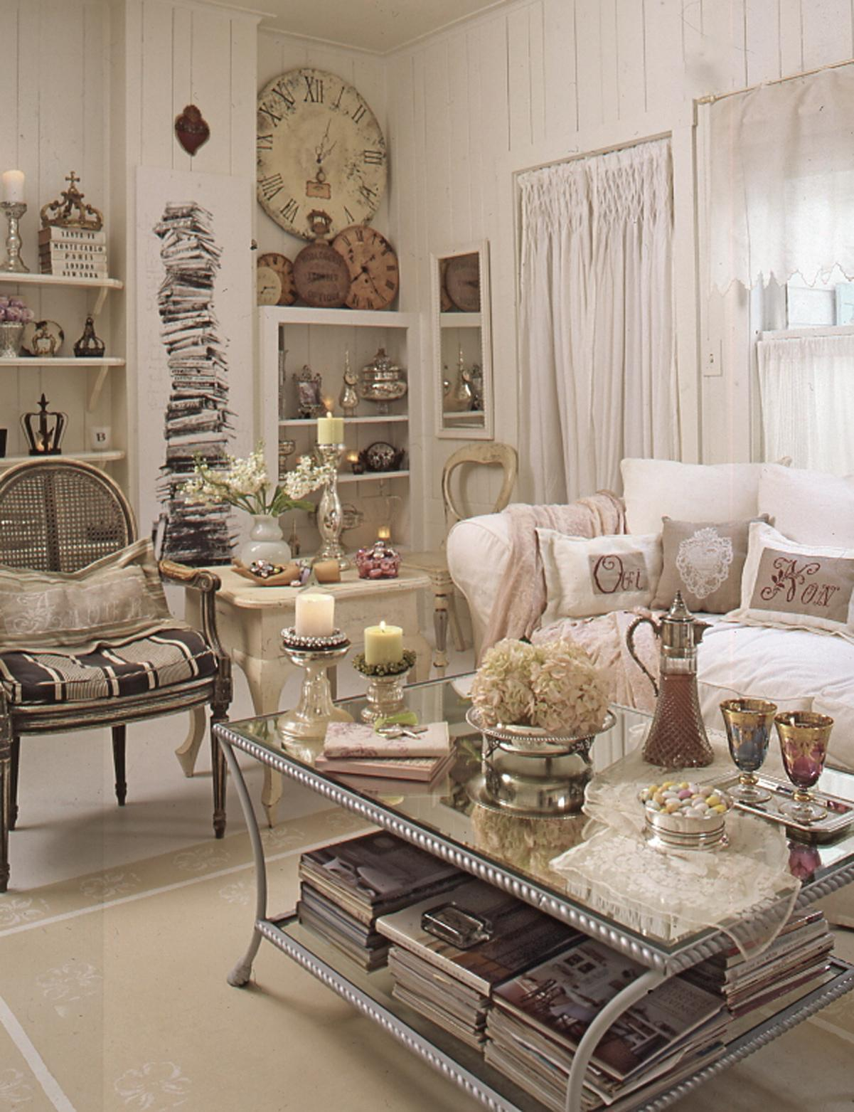 Romantic Living Room Decorating Ideas: Interview With Fifi O'Neill, Editor Of Romantic Homes