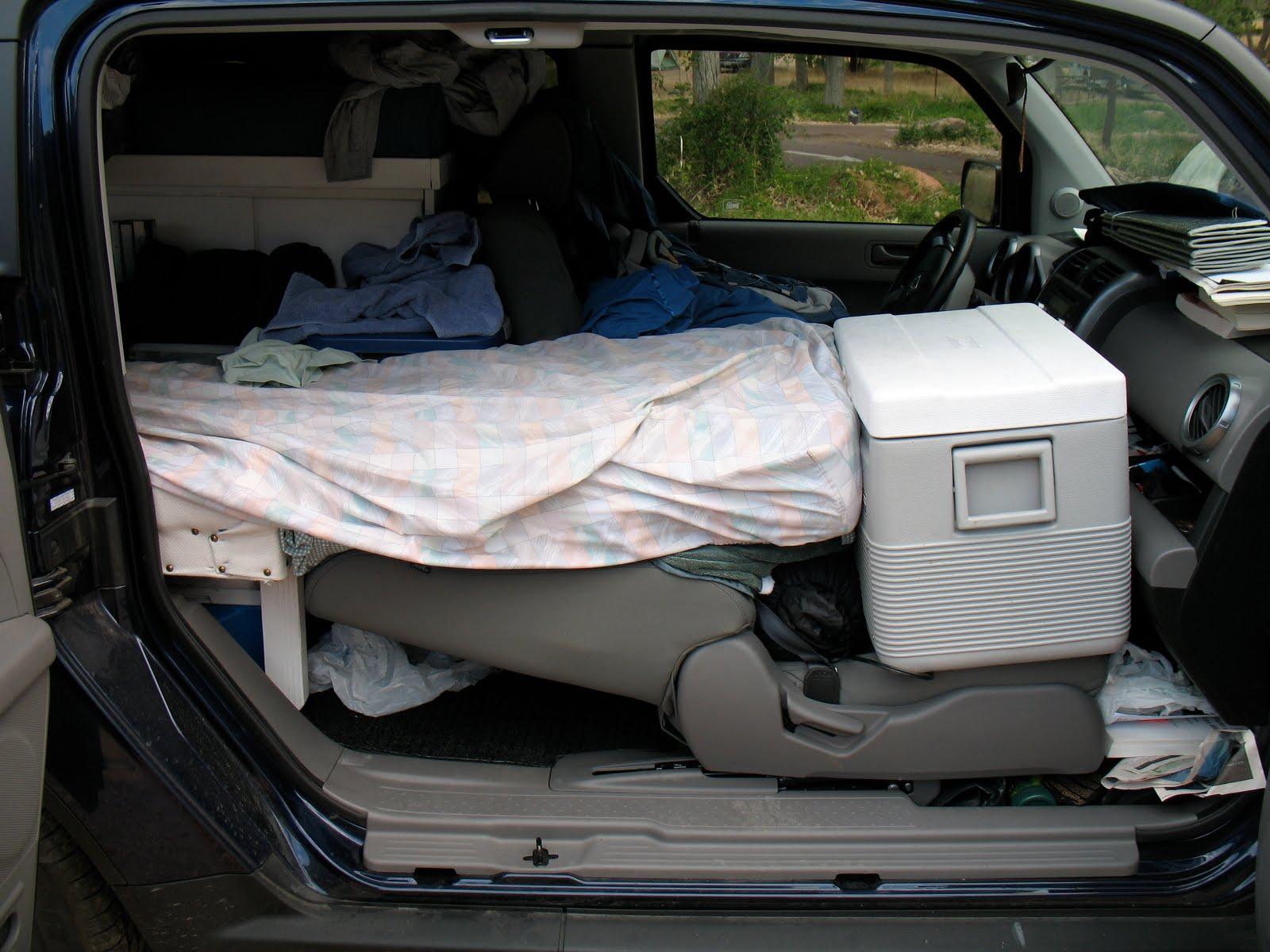 Eric s Travel Blog My Bedroom in My Car