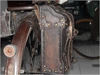 tas bpncengan dari kulitkulit