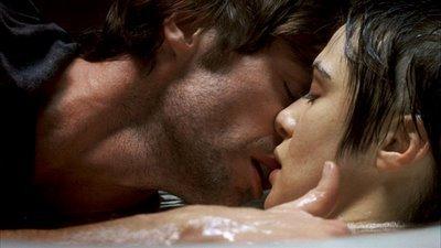 Resultado de imagem para casal a beijar-se com meiguice