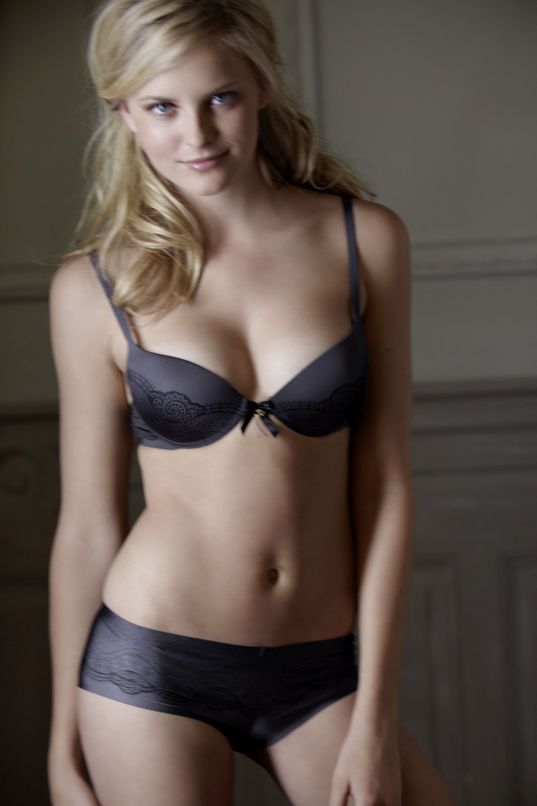 Hot Beauty And Sexy Petra Silander Palmers Fallwinter
