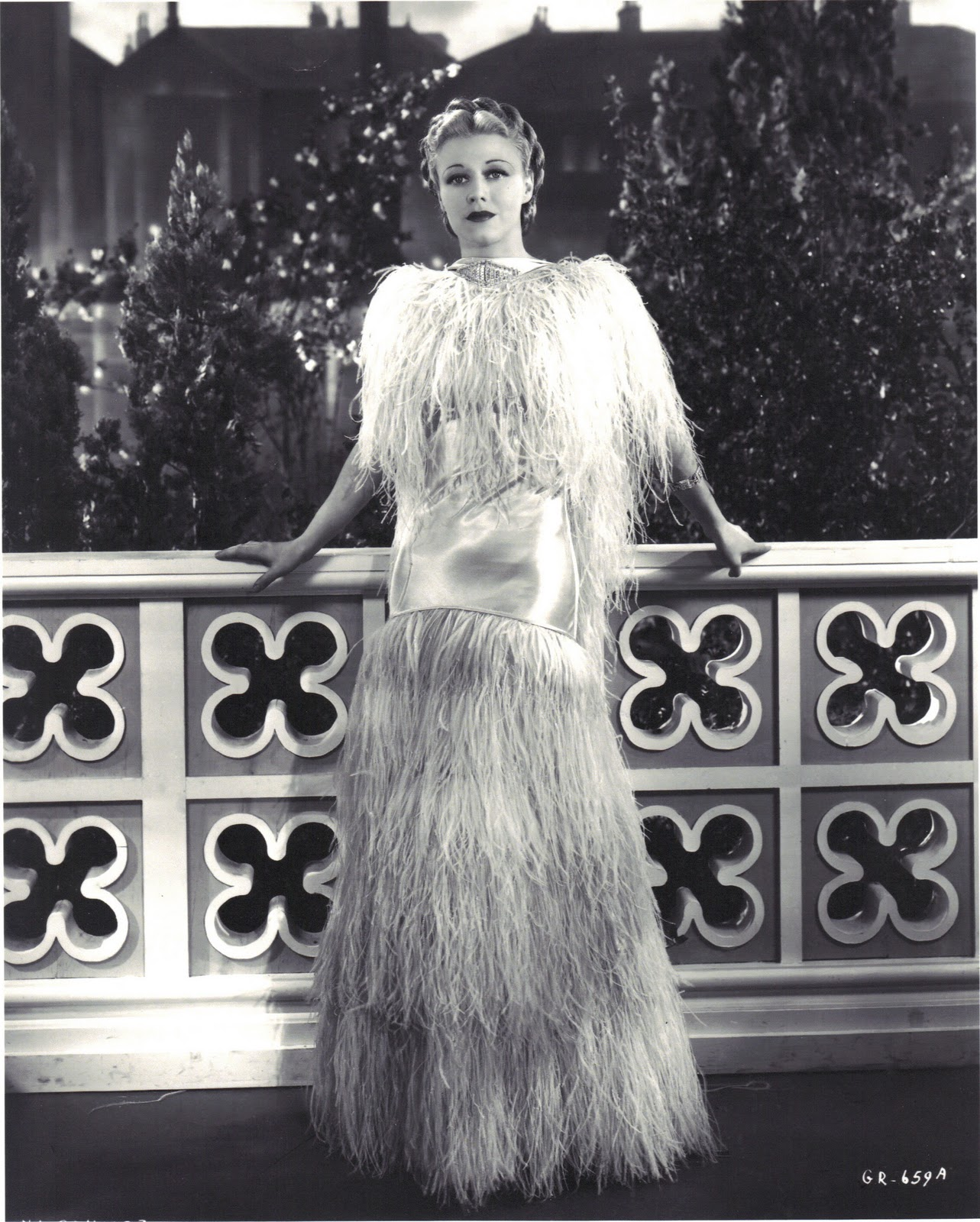 Feather Dressing Gown: Retro Rover: Happy Birthday Ginger-Vintage Style Icon