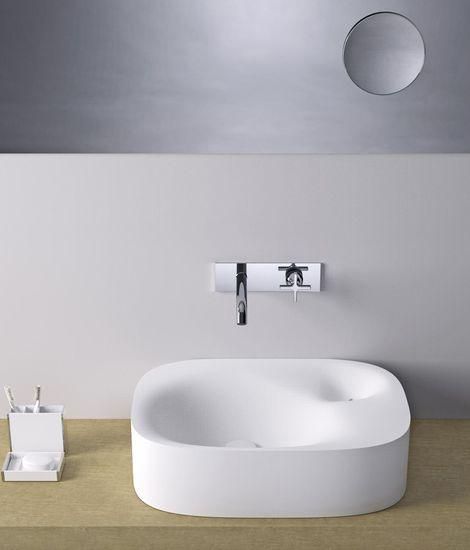 ... hecho de Cristalplant blancoEl fregadero Nivis está disponible en pared  y de superficie. Para obtener más información bac86c73208a