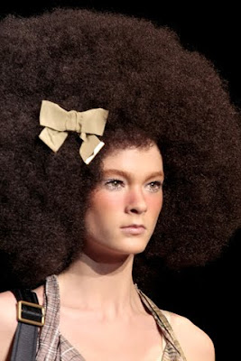 gotta love that afro hairdo a glimpse of glamour
