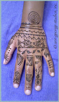 tribal henna tattoo
