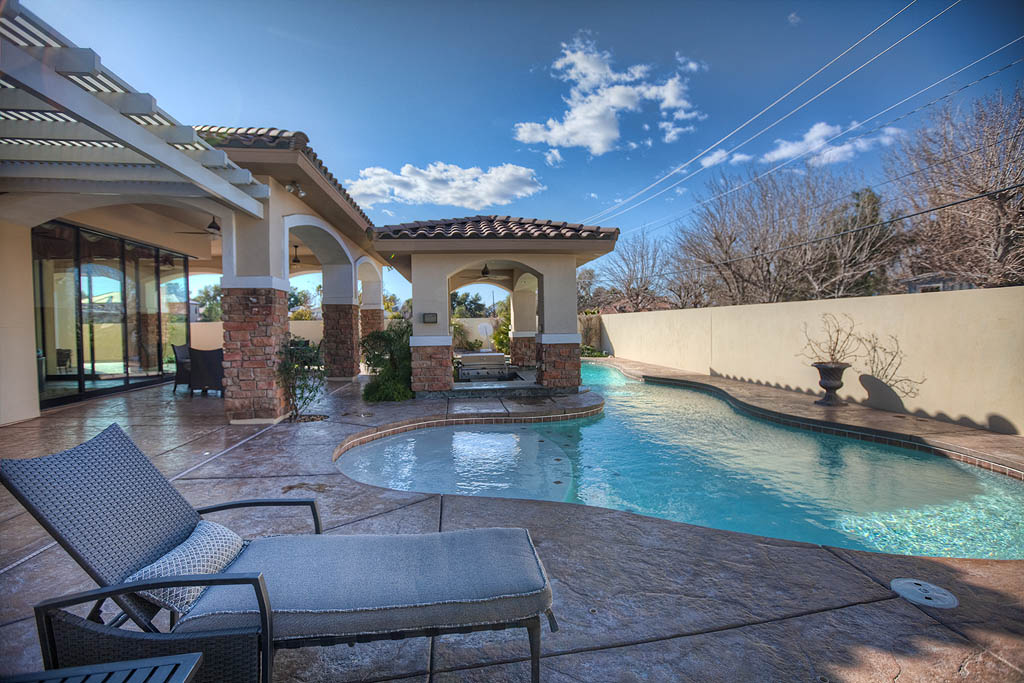 Las Vegas Vacation Home Rental Blog: Hosting Las Vegas