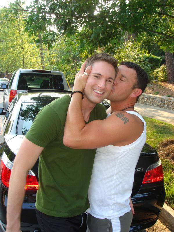 Hot girls kissing guys
