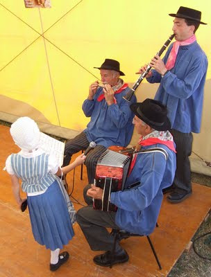 musicians folk group sabaudia