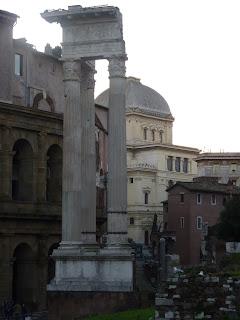 Rione Sant'Angelo, Tempio Apollo Sosiano Roma