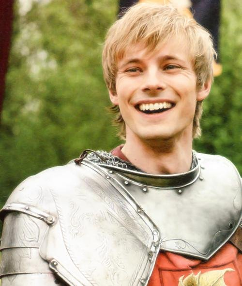 bradley james smile - photo #23