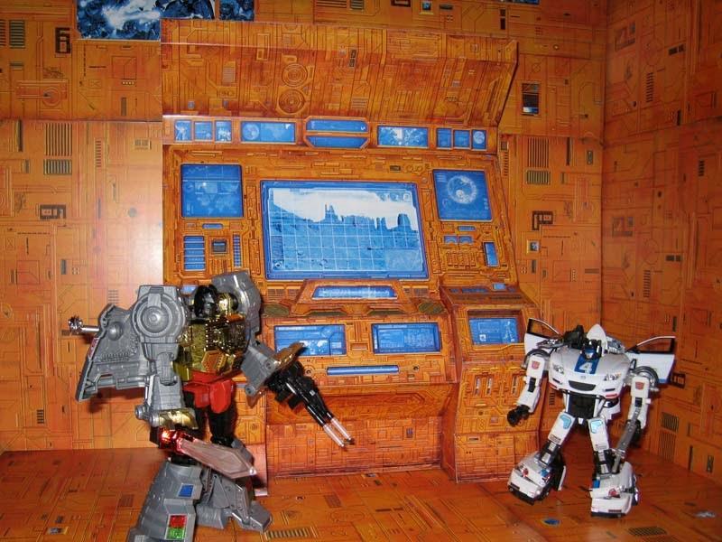 Transformers Teletraan Computer Papercraft Jpg