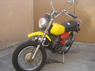 MOTOS PARA EL RECUERDO DE LOS ESPAÑOLES-http://2.bp.blogspot.com/_A60a-IlVwtU/S1N-eUW_PbI/AAAAAAAAAxk/NqQWgsJyx48/s320/moto%2520002.jpg