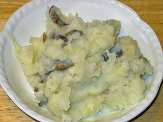 Food and Garden Dailies: Lumpy Garlic Mashed Potatoes
