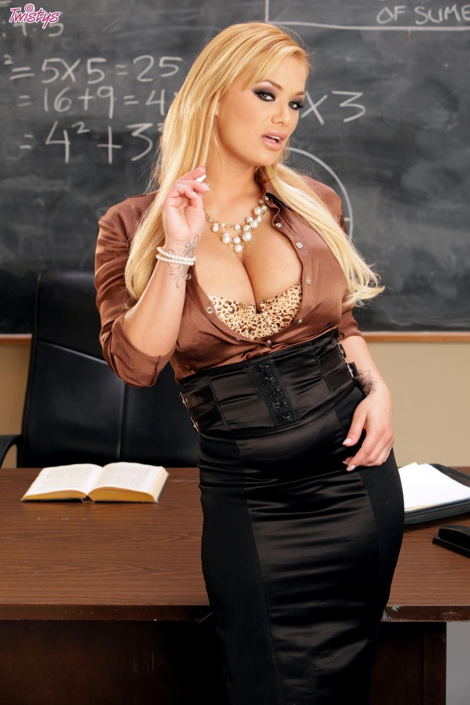 Are pussy shyla stylez teacher pity, that