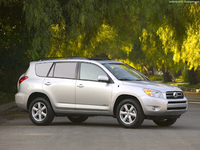 Toyota RAV4 Standard Resolution Wallpaper 1