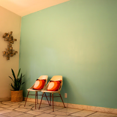 Serene Coral Combinations Mint, Grey \ Cream Coral accents - Peindre Un Mur Interieur