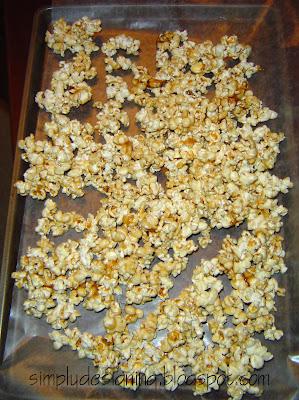 Caramel+Popcorn+in+cookie+sheet Caramel Popcorn 17