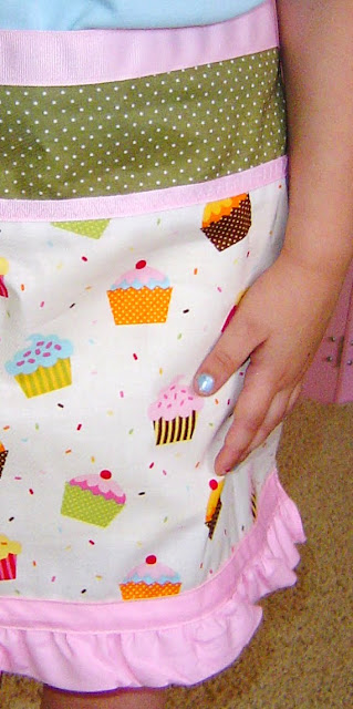 cupcake+apron+03 Cupcake Apron 8