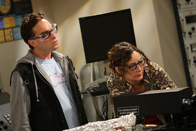 """THE BIG BANG THEORY 1.3 – """"The Fuzzy Boots Corollary"""" ~ Dan's Media Digest"""