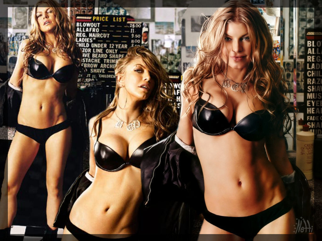 Sexy Pics Of Fergie 108