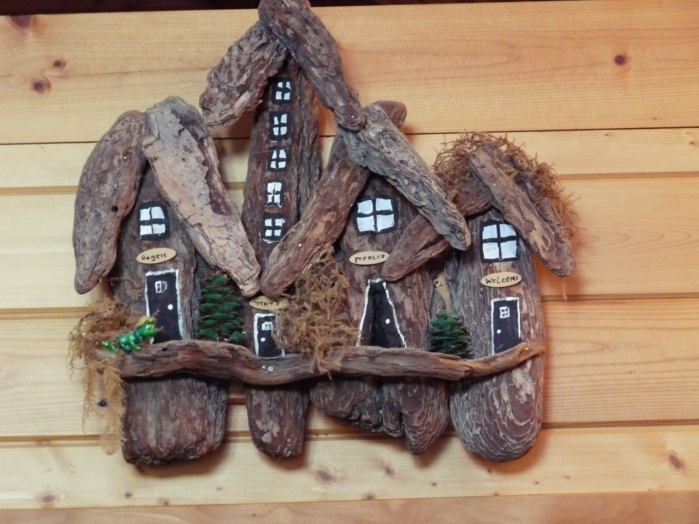 Beyond the fringe fishing trip and driftwood crafts for Driftwood sculpture ideas