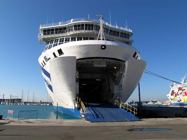 Moby Aki ferry, Moby Lines, Livorno