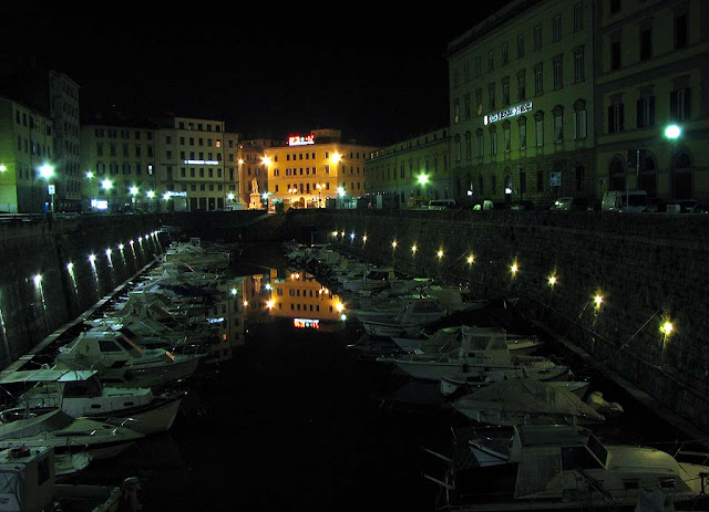 Fosso Reale at night, Livorno